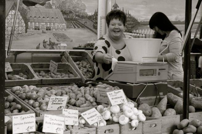 Kartoffelfrauen, Wochenmarkt Berlin Boxhagener Platz