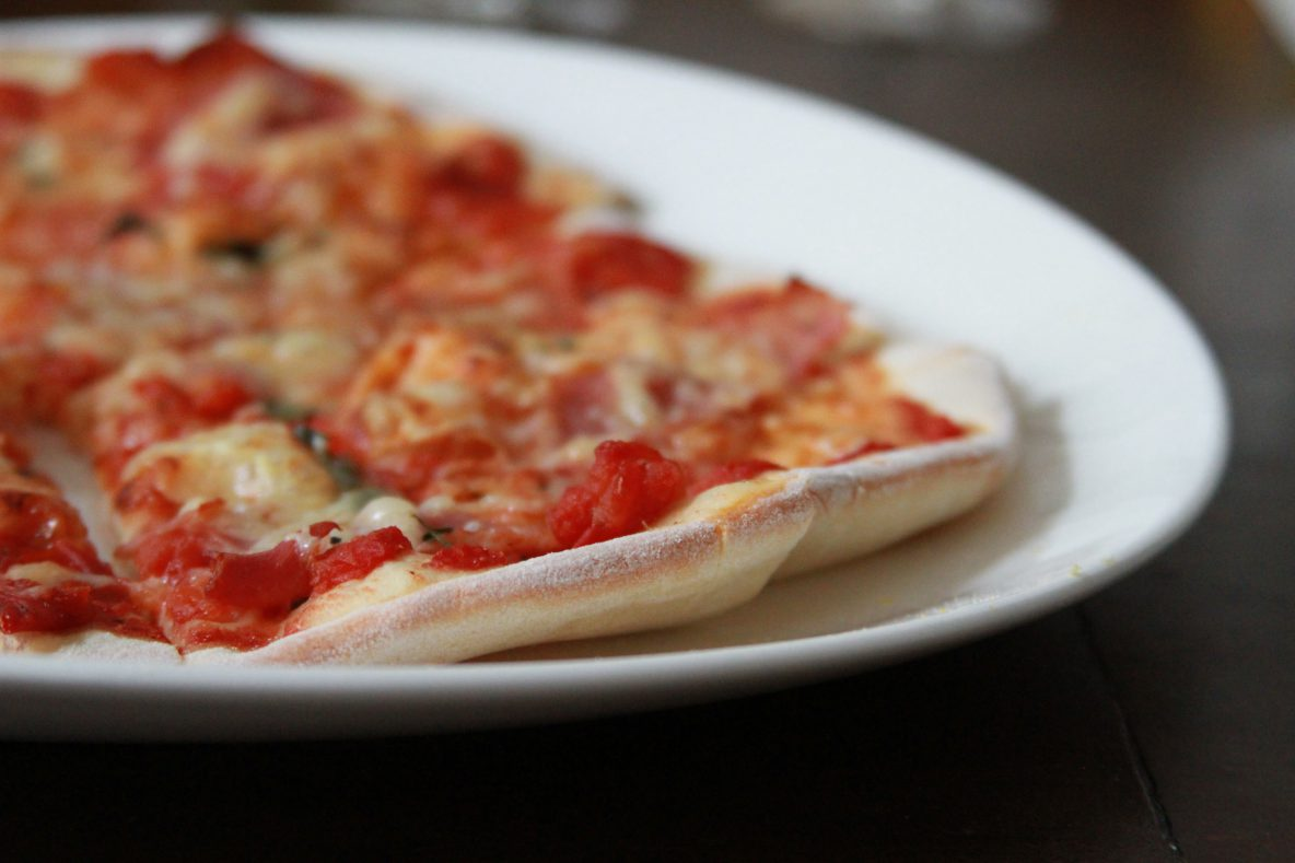 gelingsicheres Pizzateig Rezept